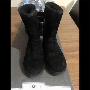 UGG water-resistant 'Pierce' Boots black sz 7 /38